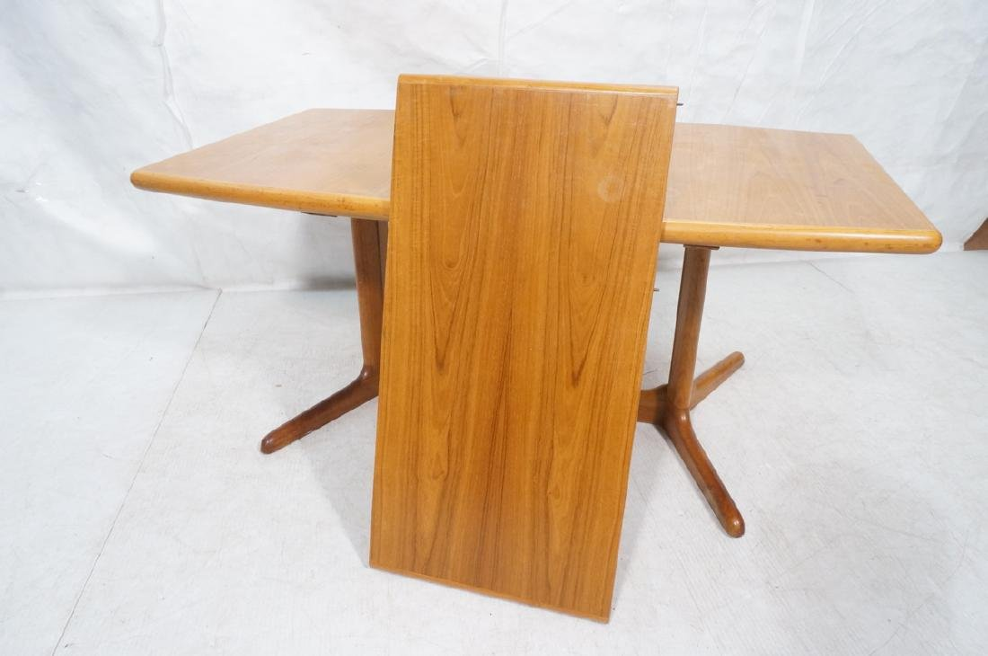 SKOBVBY Danish Modern Teak Bow Side Dining Table. - 7