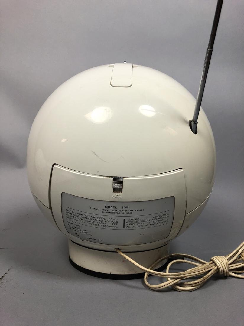 Weltron Space Age Ball Radio eight track Player. - 5