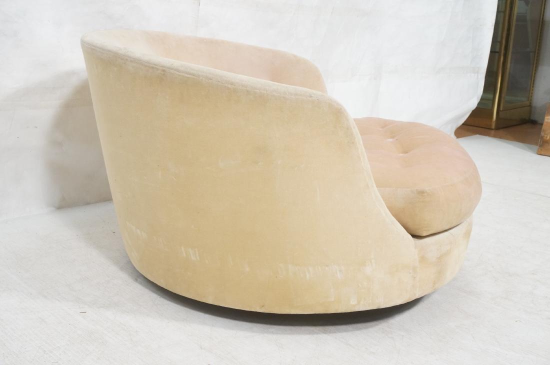 Milo Baughman Swivel Round Lounge Chair. - 3
