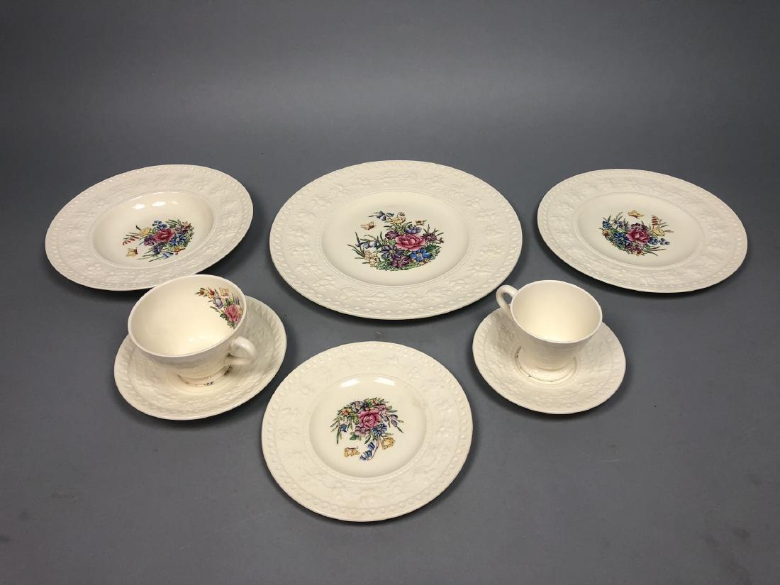 """117 pc WEDGWOOD """"Wellesley"""" Porcelain Dinnerware"""