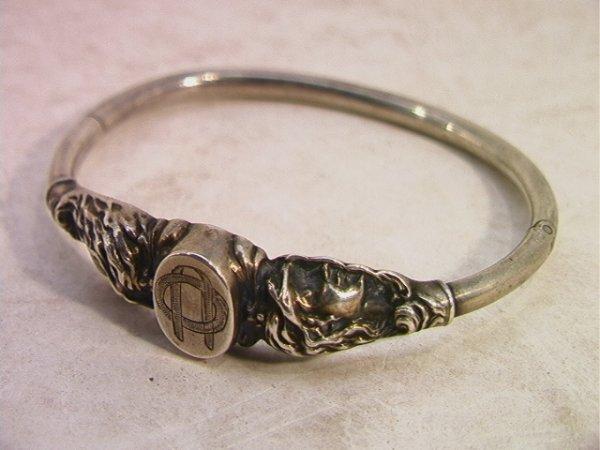 509: Victorian silver Bangle Bracelet with Women Decora