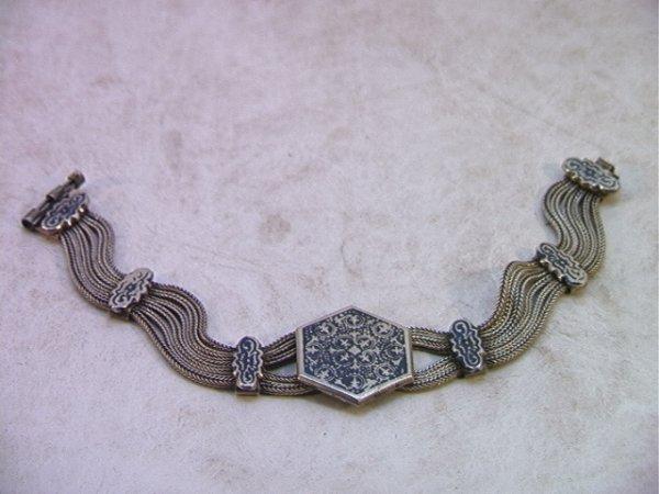 4: 900 Silver NIELLO Chain Bracelet.  Bracelet comprise