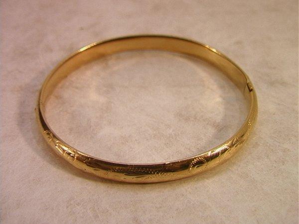 22: 14K Gold Bangle Bracelet with Engraved Design.  Mar