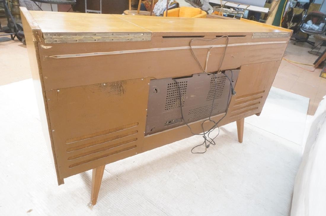 Mid Century Modern Blond Wood Stereo Cabinet. Two - 5