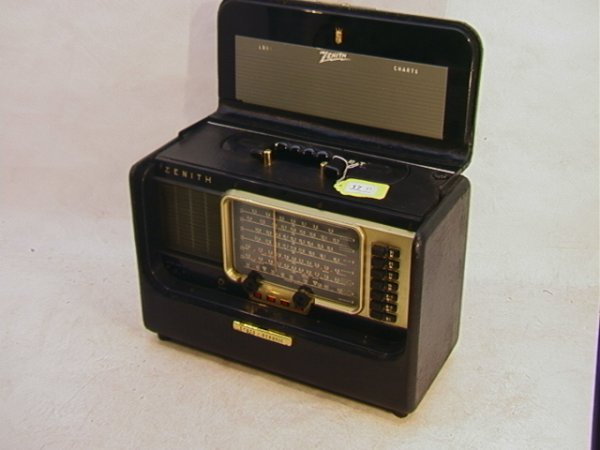 2023: ZENITH Trans-oceanic Radio Model Y600 W Wave Magn