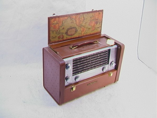 2026: RCA VICTOR Radio Model 3-BX-671 Brown Leather sty