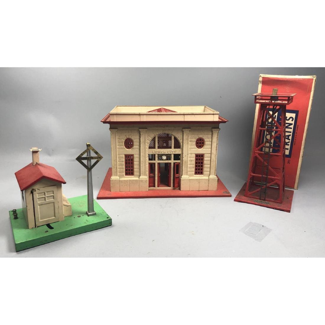 "3pc LIONEL Model Train Station & Signals. 1). ""Li"