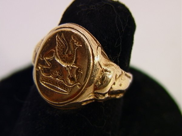 8: 14K YG Seal Ring Has a Griffin and Crown Design. Lad