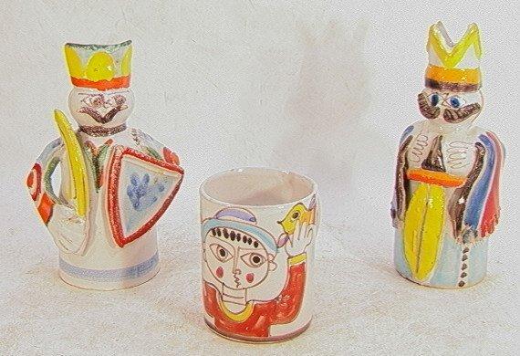 314: 3pcs Desimone Pottery Candlesticks and Mug.  Figur