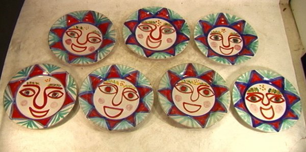 315: 7pcs Desimone Italy Pottery Plates. Decorated with