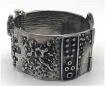 Silver Metal Brutalist Hinged Cuff Bracelet. Mode