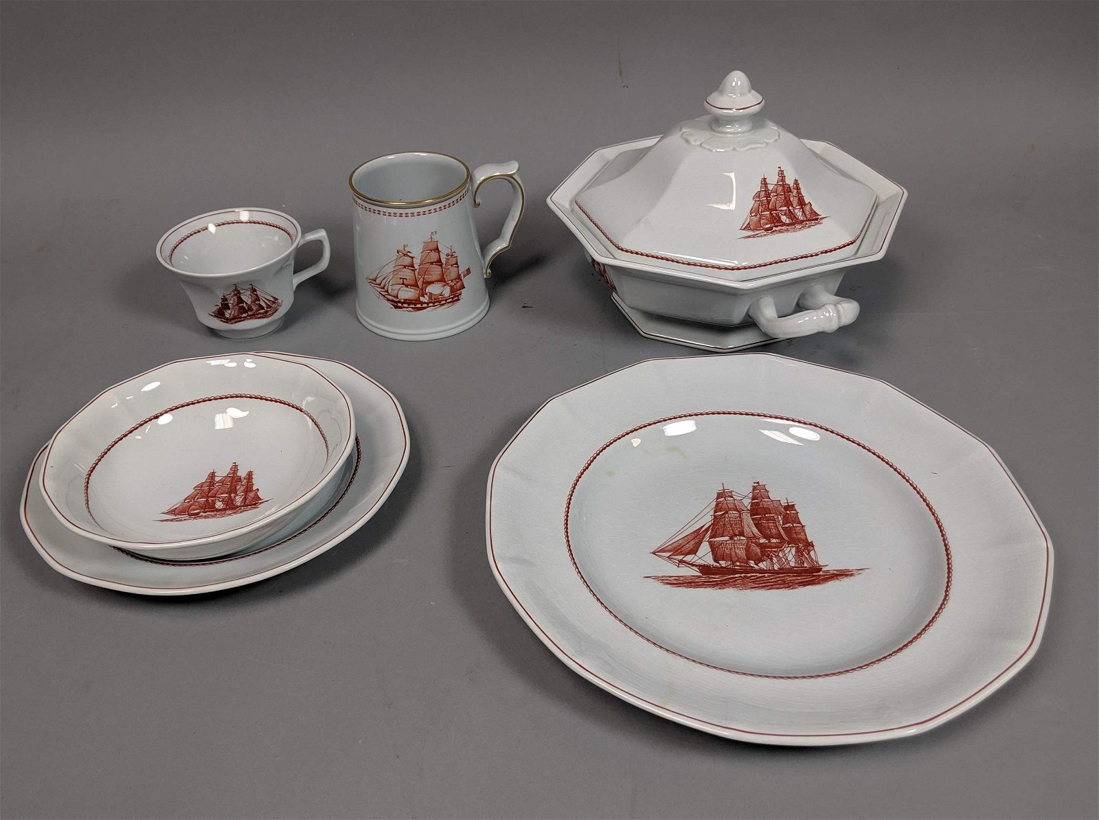 89pc Set WEDGWOOD Flying Cloud Porcelain Dinnerwa