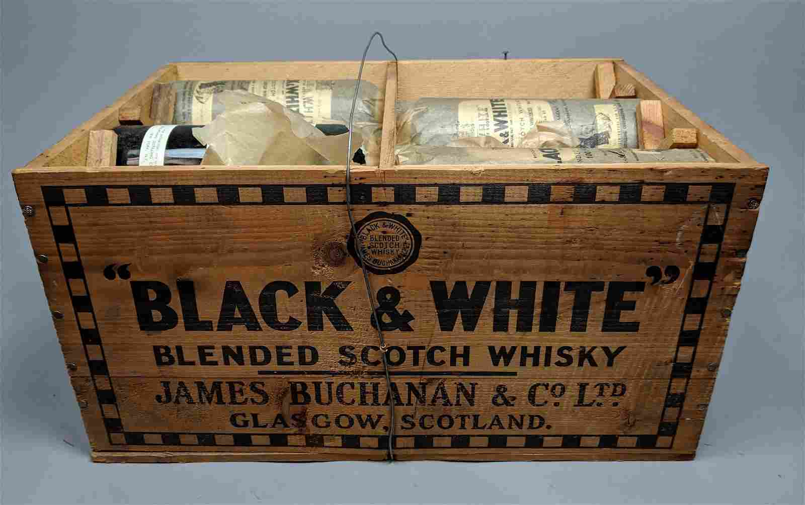 Original Wood Case BLACK & WHITE Scotch Whiskey B