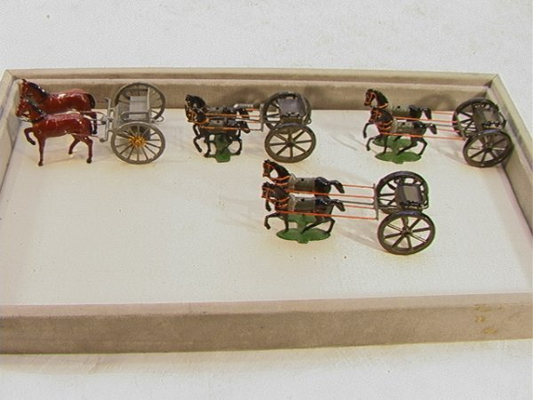 10: 4 pc Horse Drawn Surrey Wagon Vintage Lead Figures.