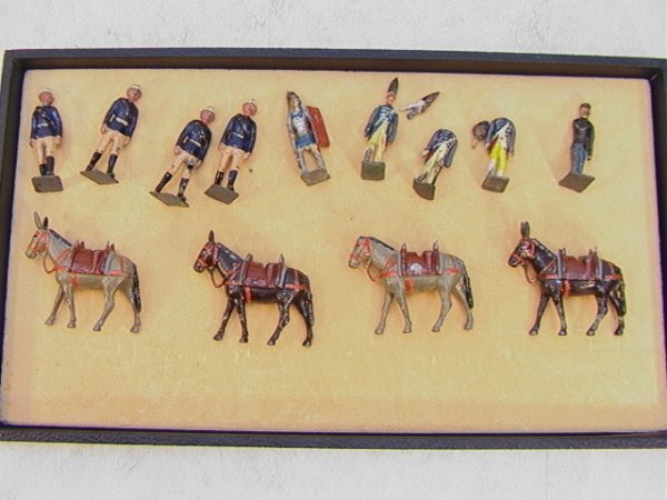 12: 13 Britains Vintage Lead Figures Soldiers Donkeys