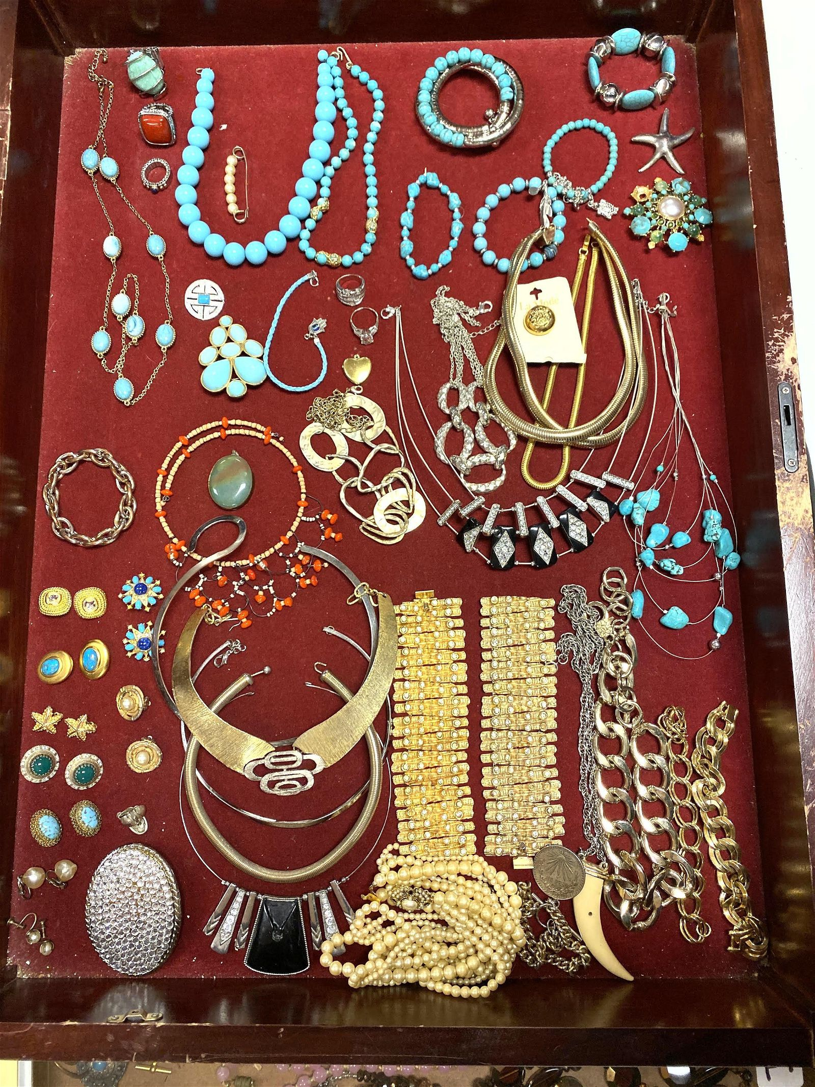 LOT E Large Lot Vintage Costume Jewelry. Mostly Turquoi