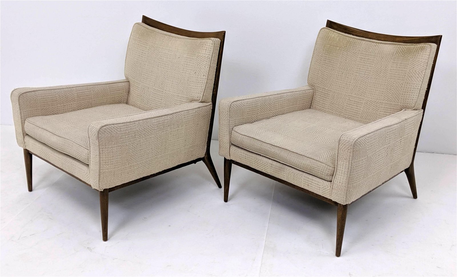 Pr PAUL McCOBB American Modern Walnut Lounge Chairs. Te
