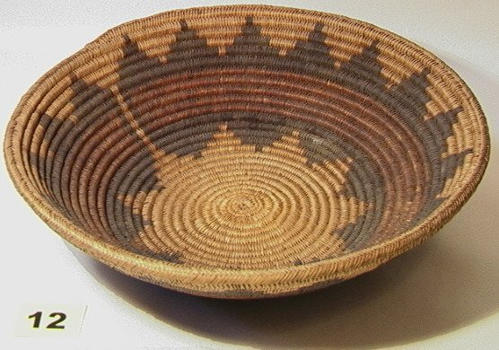 12: NAVAHO Wedding Tray. Native American Indian Basket