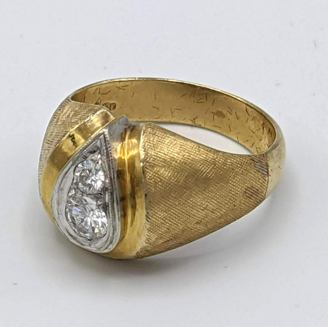 14k Gold 2 Diamond Vintage Ring.  2 diamonds mounted in