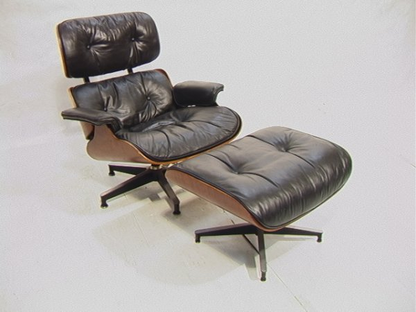 26: EAMES Herman Miller Rosewood Lounge Chair and Ottom
