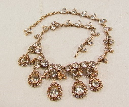 13: COSTUME JEWELRY RHINESTONE NECKLACE, sparkling flor