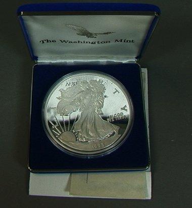 3: Half Pound 1993 Sterling Silver Eagle Coin 995 fi