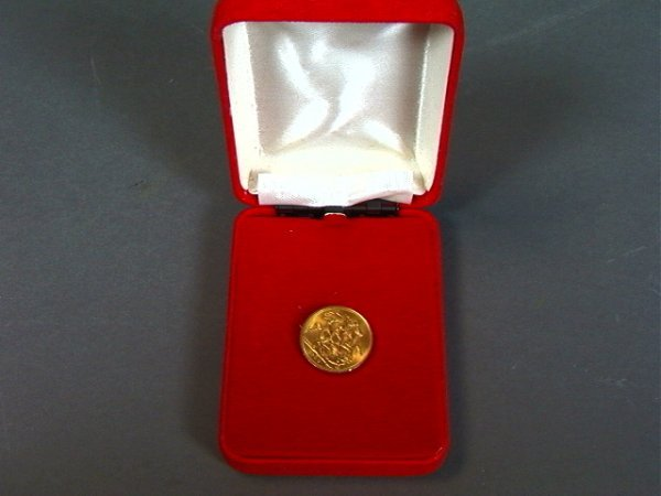 8: 1958 ST GEORGE Gold Coin. 5.5 dwt.