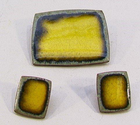 615: BRONDSTED DANMARK POTTERY PIN & EARRINGS. Yellow &