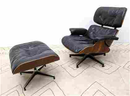 EAMES 670 Lounge Chair and Ottoman. Herman Miller rose
