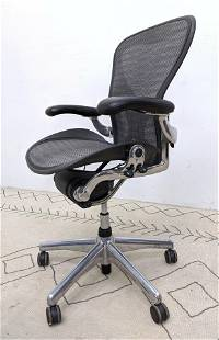 HERMAN MILLER Rolling Office Chair. Aeron style.