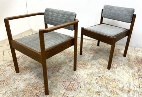 Pr Jens Risom style American Modern Lounge Chairs. Plai