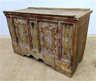 Vintage Paint Decorated Wood Chest Trunk. Hinged Lid.