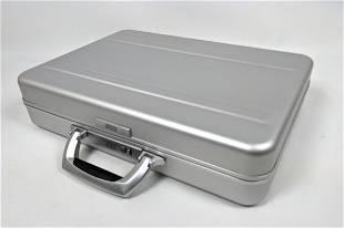 ZERO by HALLIBURTON Stylish Briefcase. Interior fitted