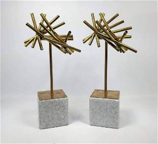 Pr DWELL STUDIOS by GLOBAL VIEWS Sculptures. Scattered
