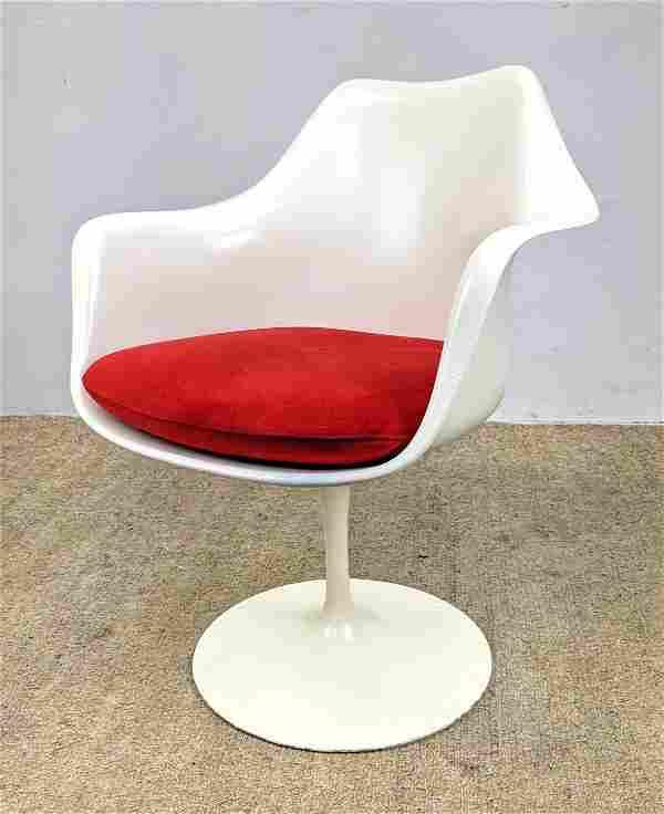 EERO SAARINEN Tulip Arm Chair. Knoll inc.