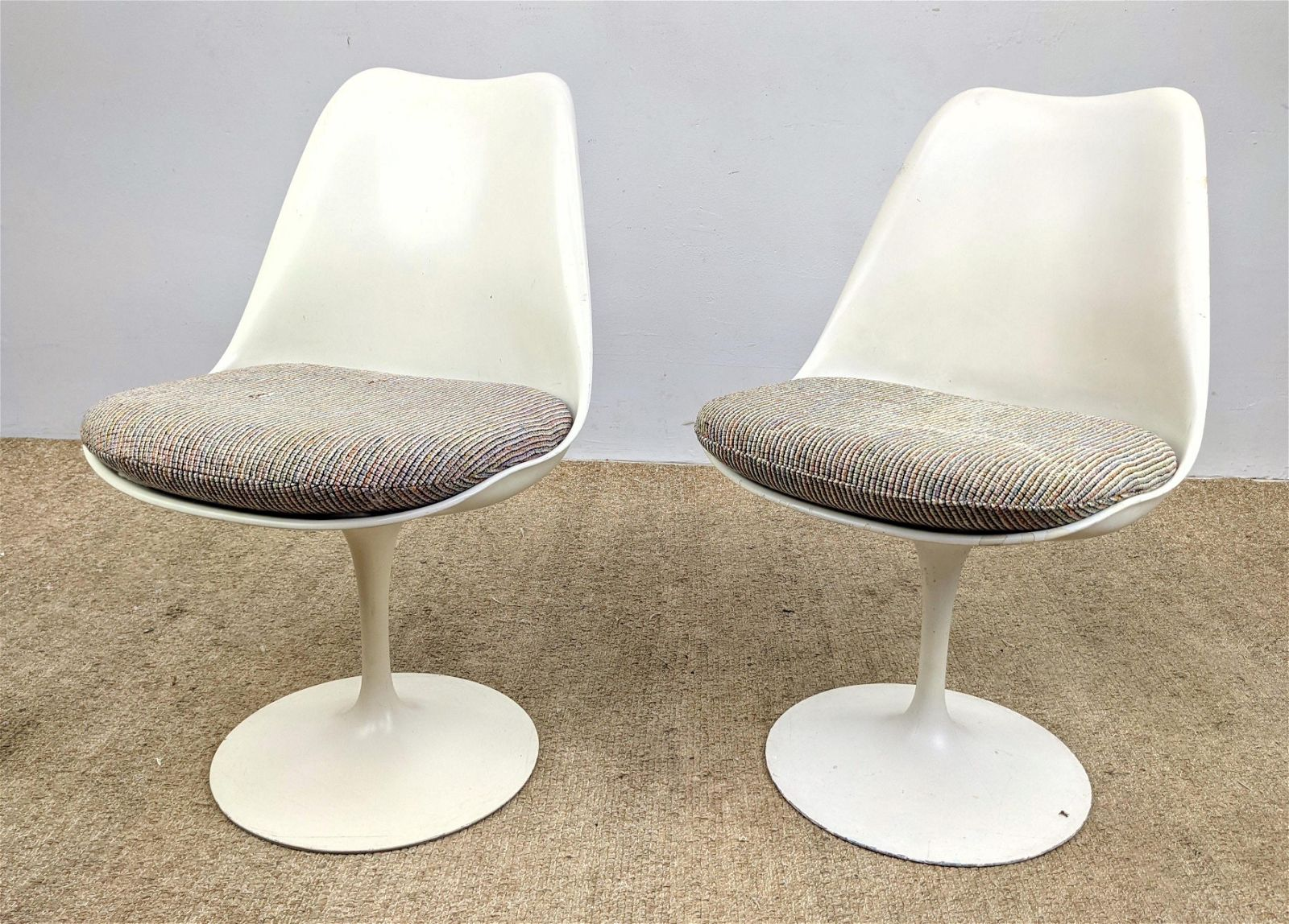 Pair EERO SAARINEN Tulip Chairs. Knoll International.