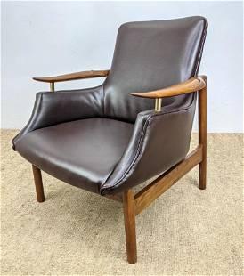 Stylish Paddle Arm Mid Century Lounge Chair. Vinyl upho
