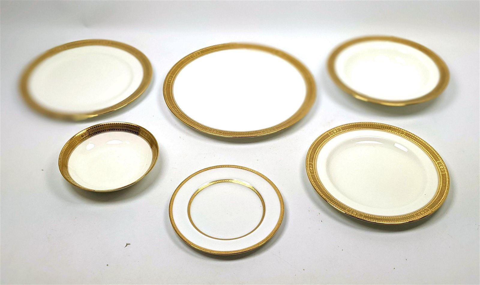 42pc China Dinnerware. 12pc Small plates ROYAL DOULTON.