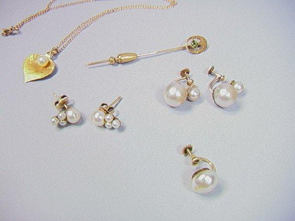 8: Lot 14k Gold Jewelry.  Stickpin. 2 pair of pearl