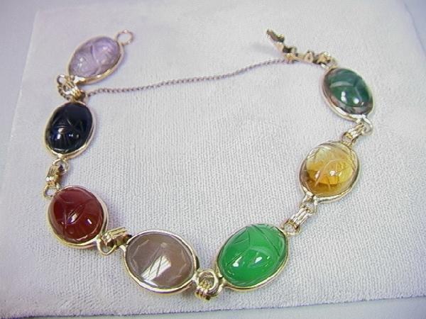 11: 14K Gold Scarab Bracelet with Natural Carved Ston