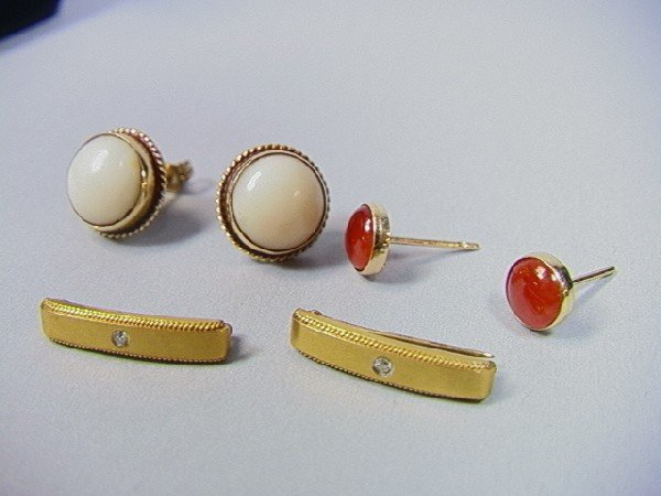 18: 14K Gold Lot.  2 Pair earrings, and 2 small pins.