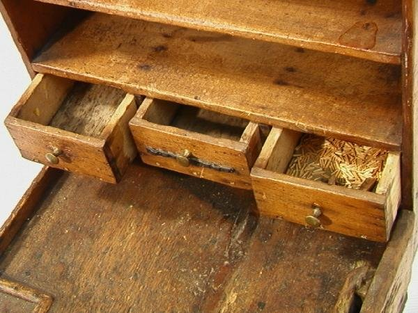 551: Antique Cobblers Bench with Tools and accessories - 9