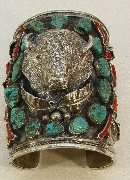 17: Very Large Native Amer Indian Bracelet Buffalo. Lar