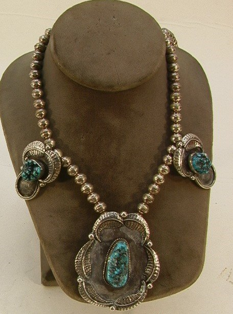 20: Native American Indian Turquoise Pendant Necklace.