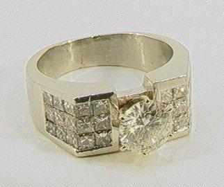 187: 1.15 Ct Diamond Platinum Ring 1.15 ct center diamo