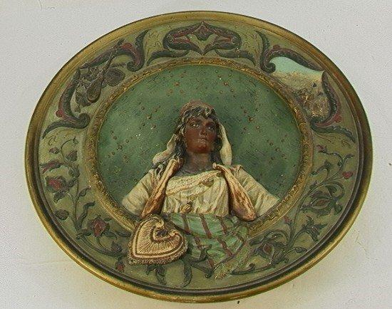 410: Musterschutz 5843 Deep Relief Wall Plate Bust of l
