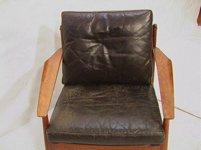 122: Leather Danish Modern TEAK Lounge Chair. GIOSTRUP - 2