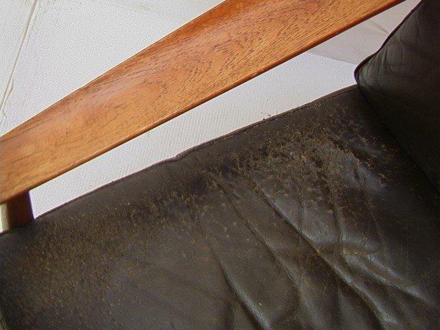 122: Leather Danish Modern TEAK Lounge Chair. GIOSTRUP - 3