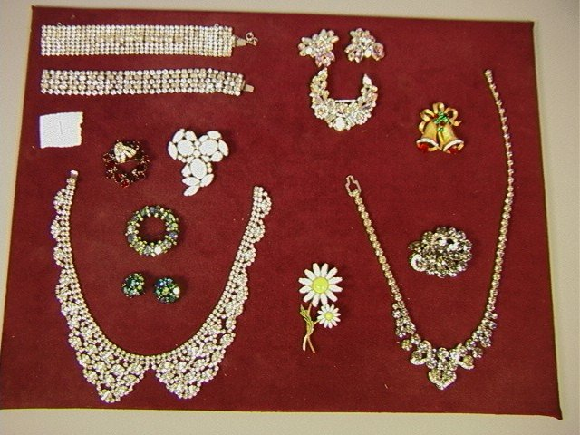 1: 13 pcs. Lot Signed WEISS Costume Jewelry. Pins an