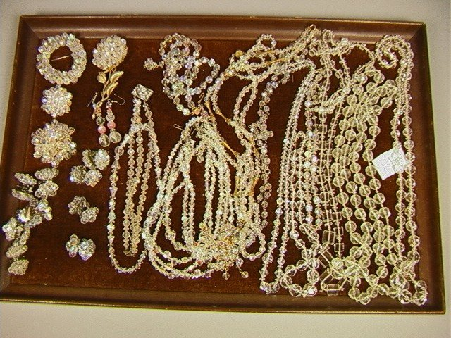 19: Large Lot 25 pcs. Crystal Jewelry Bead Necklaces,